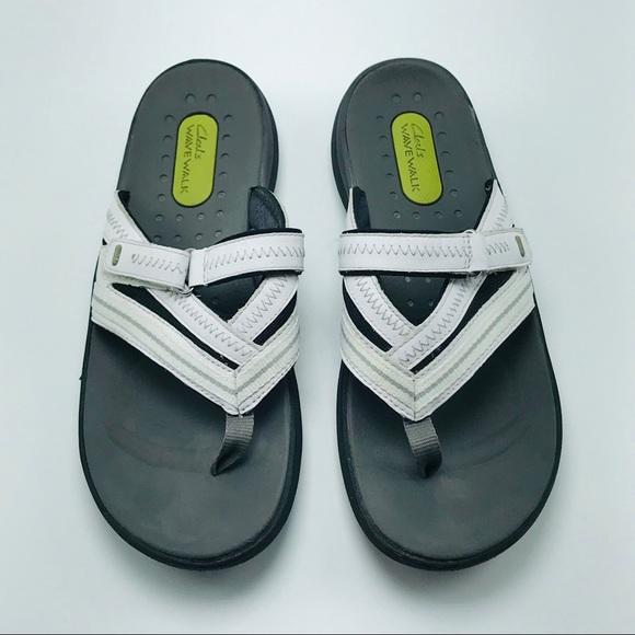 Clarks Wave Walk White Sandals Size 9